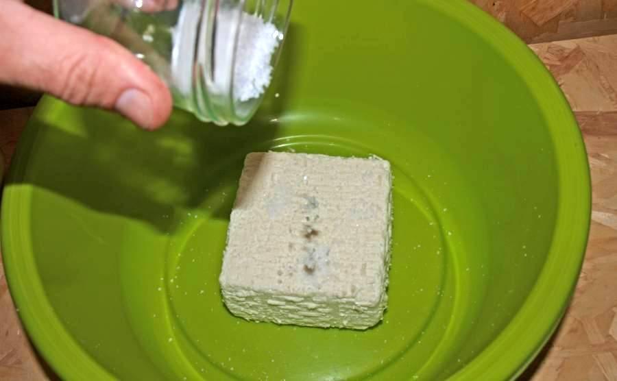 Das Salzen beim Käse selber machen