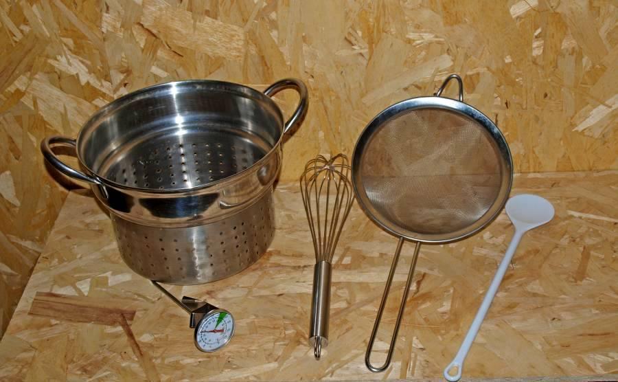 Werkzeuge zum Frischkäse machen