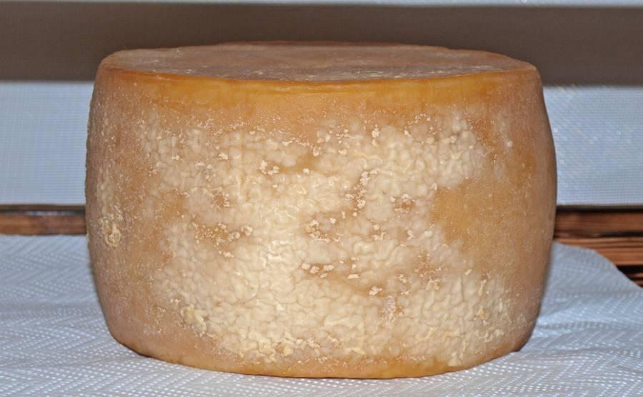 Wenn es beim Käse räuchern zu heiß wurde, kann zum austreten von Fett kommen.